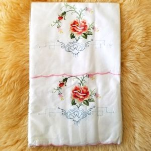 NWOT Vintage Hand Embroidered Pillowcases